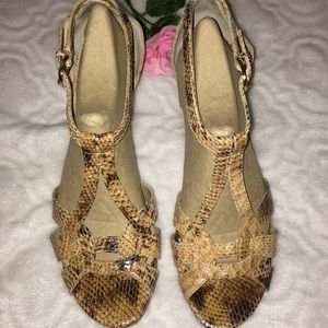 SALE🌺TAHARY🌺WOMENS SANDALS, SIZE 8